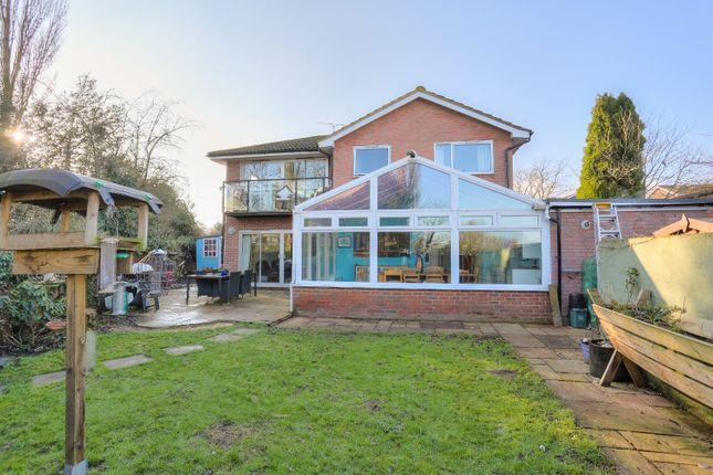 Picture No. 13 of Ennis Close, Harpenden, Hertfordshire AL5