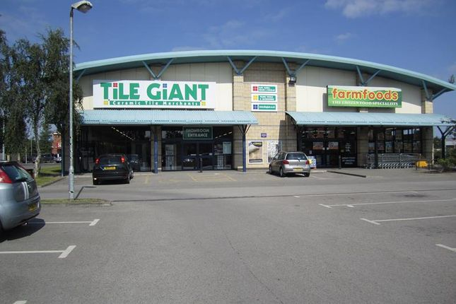 Retail premises to let in Unit 11, Valentine Retail Park, Tritton Road, Lincoln