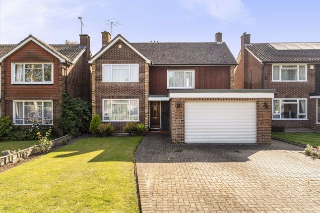 Thumbnail Detached house for sale in Chestnut Walk, Shepperton