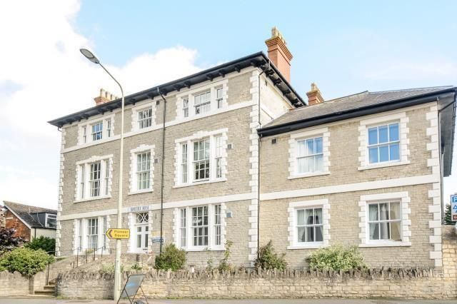 Flat to rent in London Road, Hometree Housse
