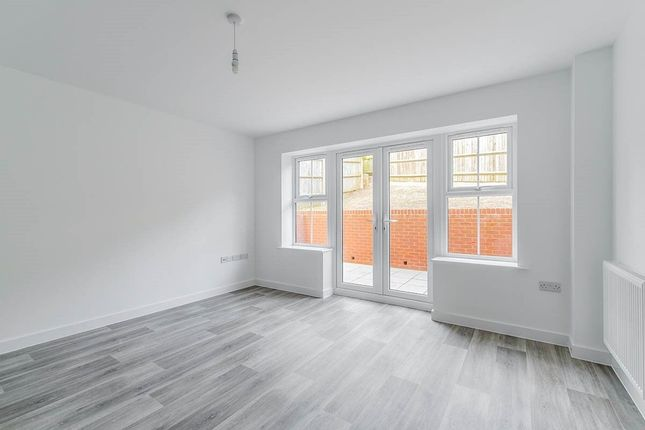 Thumbnail Property to rent in Shanklin Close, Walderslade, Chatham