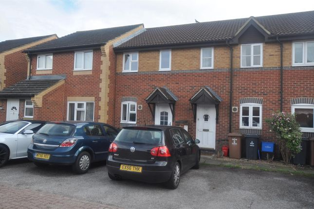 Thumbnail Terraced house to rent in Chepstow Close, Stevenage, Herts