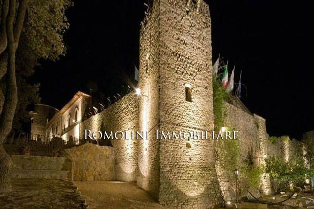 16 bed property for sale in Deruta, Umbria, Italy