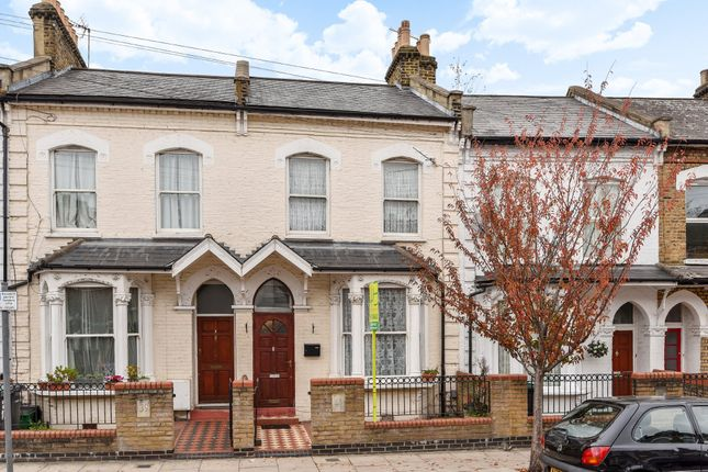 Thumbnail Terraced house for sale in Park Ridings, London