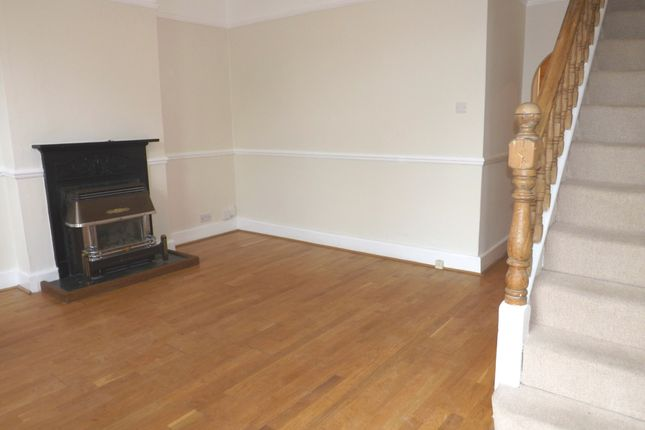 2 bed property to rent in Edna Road, London