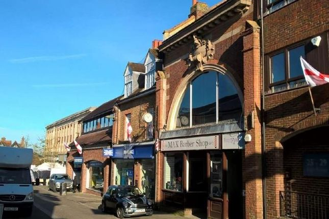 Thumbnail Leisure/hospitality to let in 23, High Street, Leatherhead