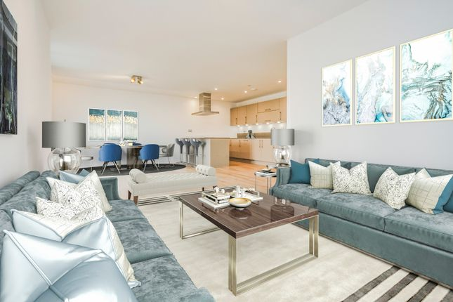 Thumbnail Flat for sale in 3 Station Square, Cambridge