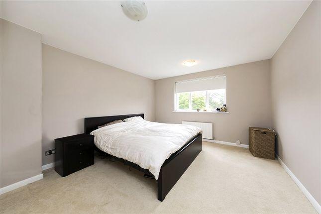 Picture No. 07 of Taylor Avenue, Kew, Surrey TW9