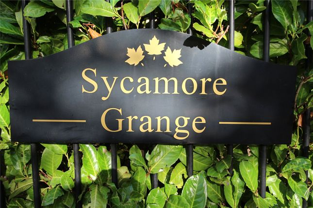 Picture No. 12 of Sycamore Grange, Branksomewood Road, Fleet GU51