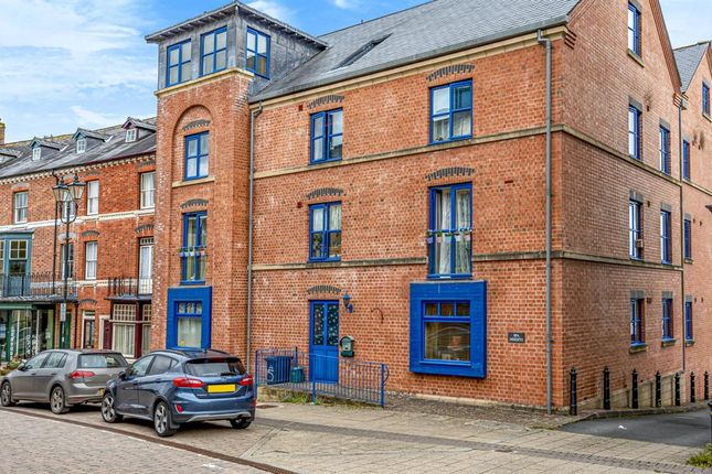 1 bed flat for sale in Spa Heights, High Street, Llandrindod Wells LD16Ag LD1