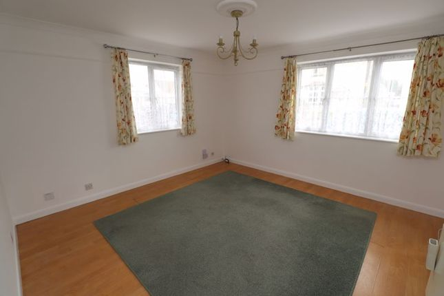 Thumbnail Flat to rent in Hill House Court, Chapel Road, Brightlingsea, Colchester
