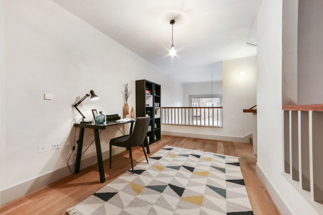 Thumbnail Flat for sale in Wenlock Street, London