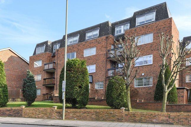 Thumbnail Flat to rent in Berkeley Court, Hale Lane, Edgware