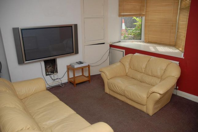 Thumbnail Shared accommodation to rent in Dale Road, Buxton, Derbyshire