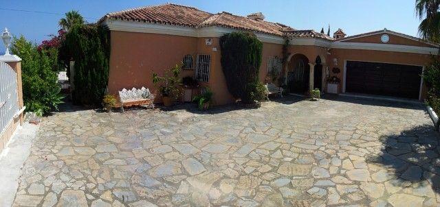 3 bed villa for sale in Spain, Málaga, Manilva, Sabinillas