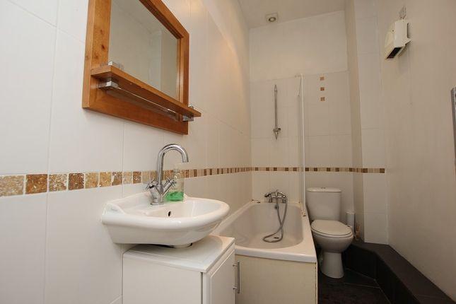 Bathroom of 8 Warrior Gardens, St. Leonards-On-Sea, East Sussex. TN37