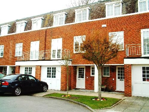 Thumbnail Town house to rent in Portarlington Close, Westbourne, Bournemouth