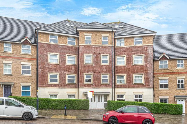 2 bed flat for sale in Swindon, Wiltshire SN25