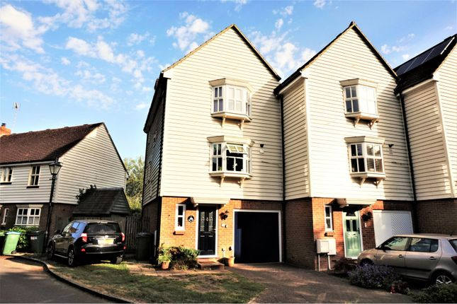 Thumbnail Town house for sale in Waters Edge, Pulborough