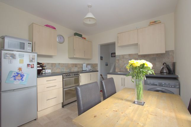 Thumbnail Flat for sale in Oakfield Terrace Road, Cattedown, Plymouth