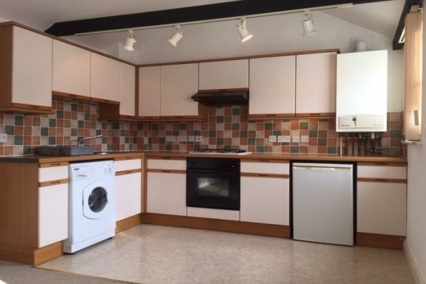 2 bed property to rent in Cobden Place, Canterbury