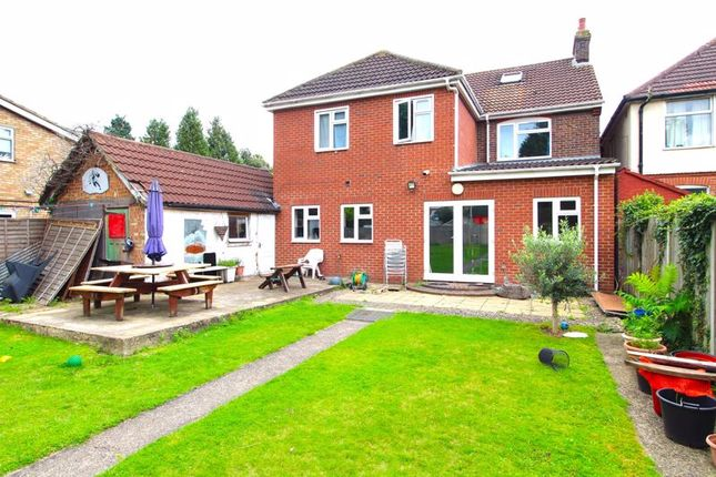 Thumbnail Detached house for sale in Blundell Road, Luton