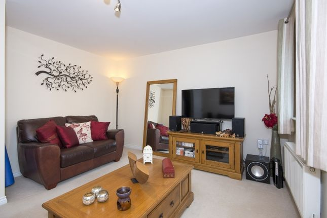 Thumbnail Town house to rent in Northfield Square, Witney