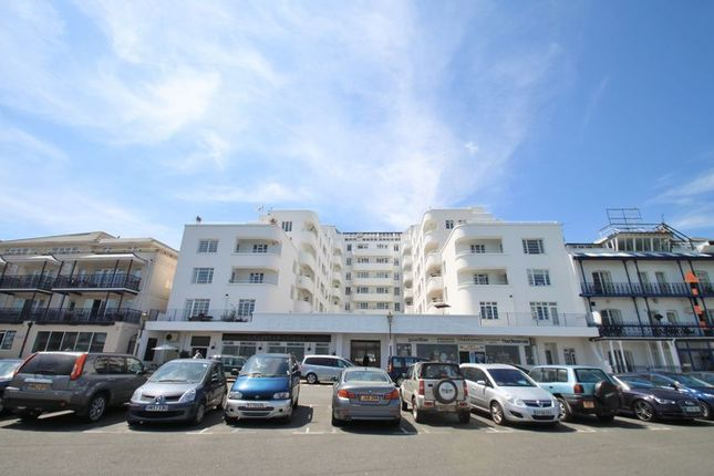 Thumbnail Flat to rent in The Parade, Cowes