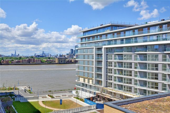 Picture No. 08 of Wyndham Apartments, 67 River Gardens Walk, Greenwich, London SE10