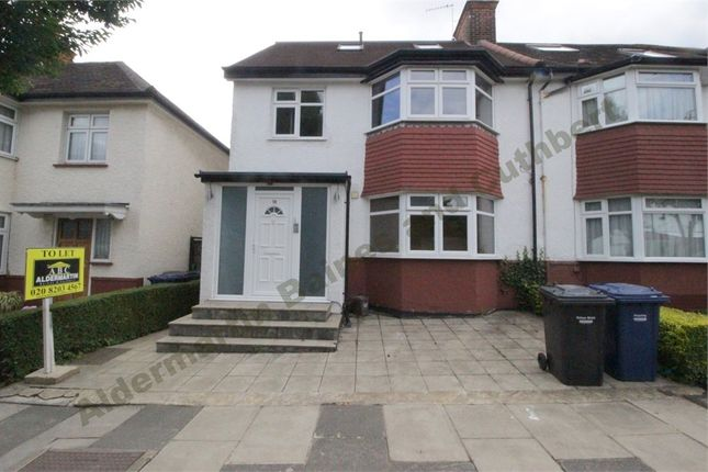 Thumbnail Detached house to rent in Elms Avenue, Hendon, London