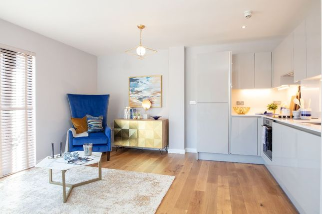 Thumbnail Flat for sale in Wapping Wharf, Bristol