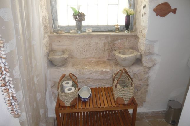 Bathroom of Townhouse Nicola, Ostuni, Puglia, Italy