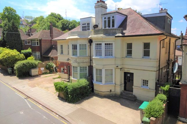 Thumbnail Flat for sale in Brantwood Road, Luton, Bedfordshire