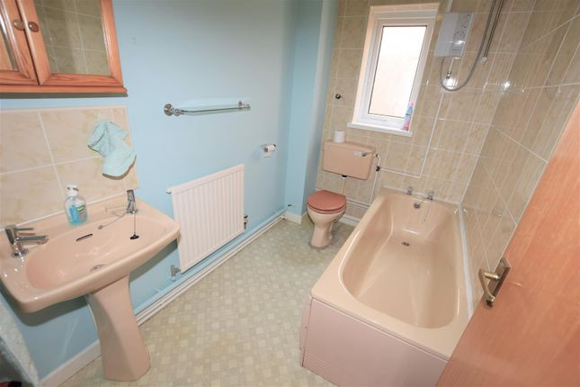 Bathroom of Gladstone Court, Buttrills Road, Barry CF62