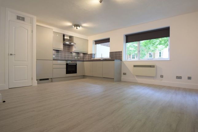 Thumbnail Flat to rent in Granville Square, London