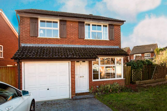 Thumbnail Detached house to rent in Herald Way, Woodley, Reading