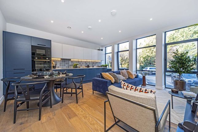 2 bed flat for sale in Littleworth Road, Esher KT10