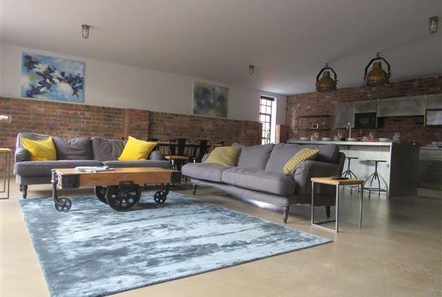 Thumbnail Flat to rent in Henrietta Street, Birmingham