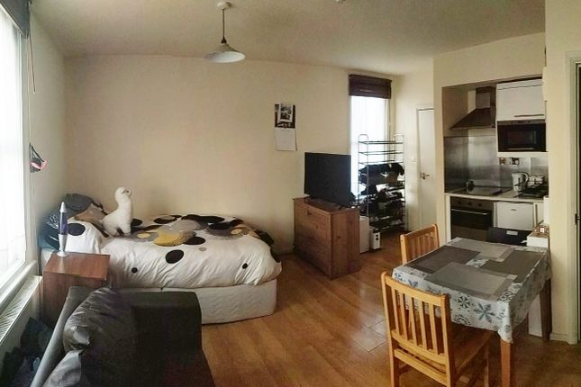 Thumbnail Flat to rent in Brondesbury Park, Willesden Green