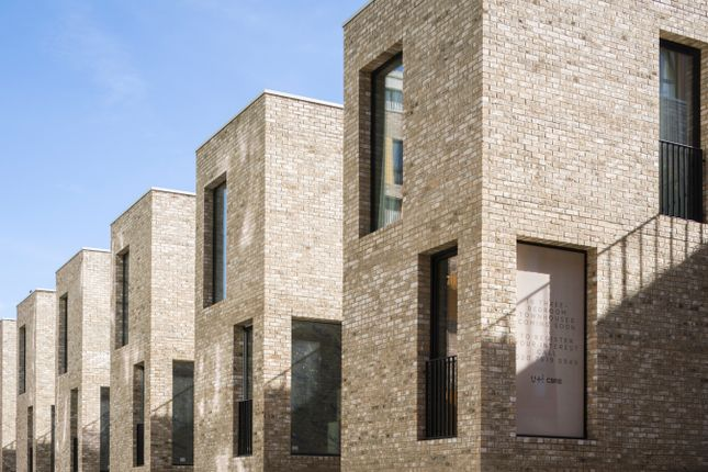 Thumbnail Town house for sale in 16 Signal Townhouses, Greenwich