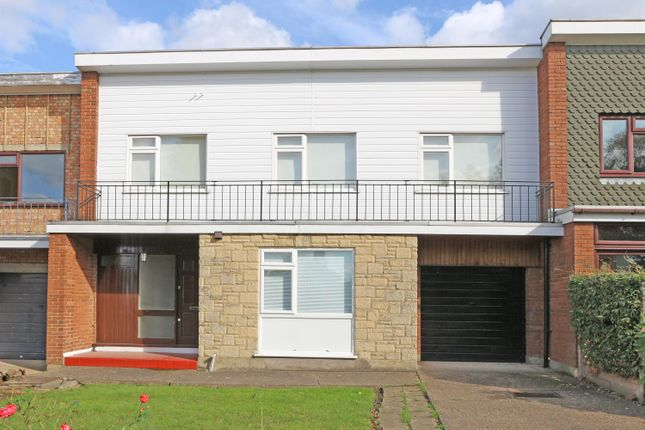 Thumbnail Terraced house to rent in Albyfield, Bromley