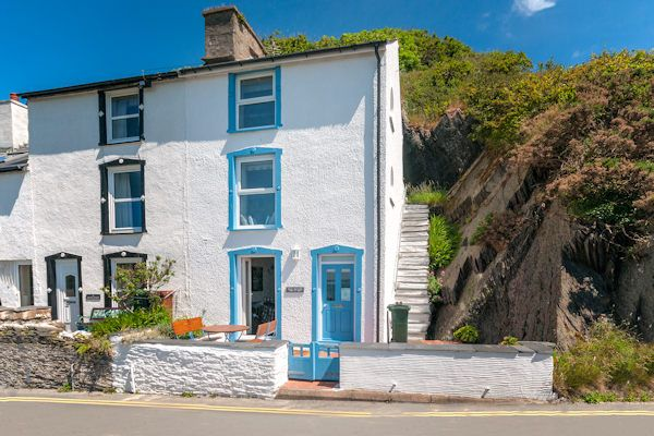 Thumbnail Cottage for sale in 11 Penhelig, Aberdovey