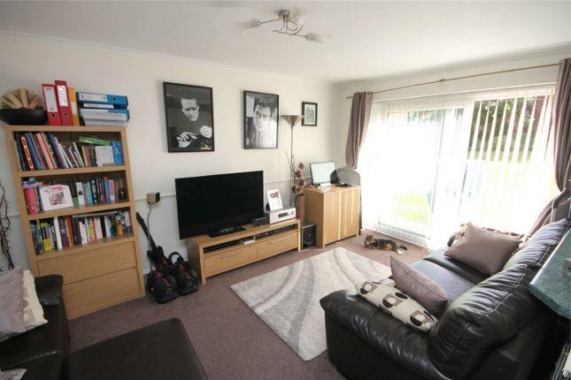 Thumbnail Maisonette To Rent In Trevor Close Harrow Weald Middlesex