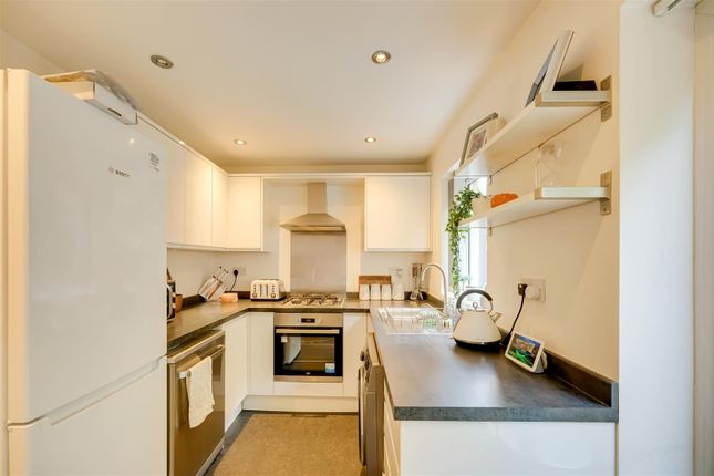 Kitchen of Meadowcroft Mews, Castleford WF10
