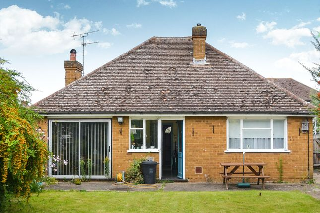 2 bed detached bungalow for sale in moor lane maidenhead sl6 44921537 zoopla