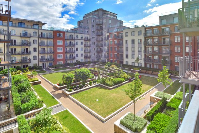 Thumbnail Flat to rent in Commander Avenue, Barnet
