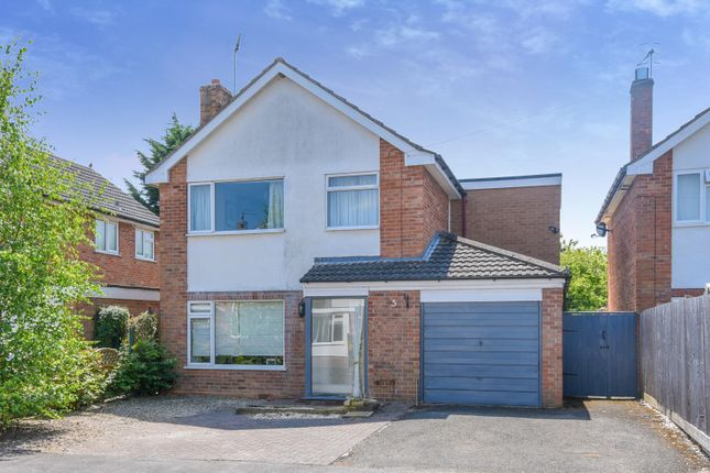 Thumbnail Detached house for sale in Bishops Close, Stratford-Upon-Avon