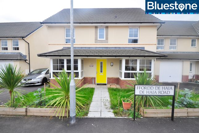 Thumbnail Detached house to rent in De Haia Road, Rogerstone, Newport