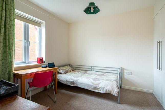 Honesty Close Bedroom2 First Floor
