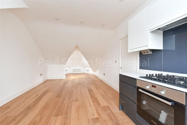 2 bed flat for sale in West Green Road, Turnpike Lane, London